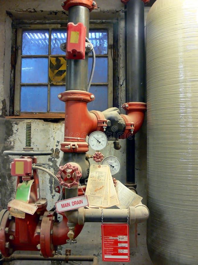 Válvulas e caldeira da supressão de incêndio fotografia de stock