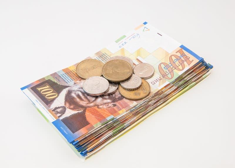 Várias notas israelitas do shekel com a nota cinqüênta nova foto de stock royalty free
