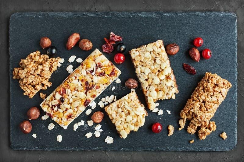 Vário de barras de granola fotografia de stock royalty free
