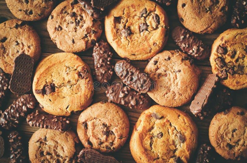 Vário fundo das cookies do chocolate - olhar retro fotografia de stock