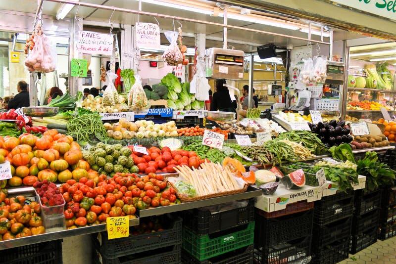 Vários legumes frescos no mercado fotos de stock royalty free