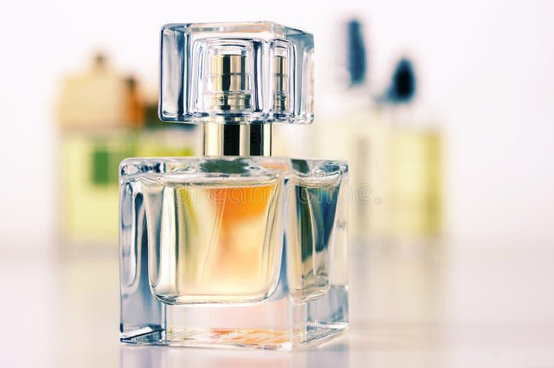 Vários perfumes ajustados fotos de stock royalty free