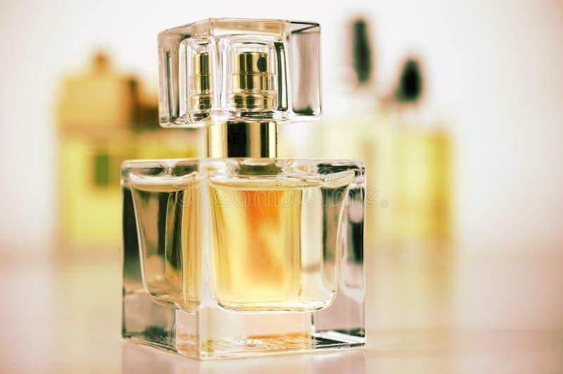 Vários perfumes ajustados foto de stock