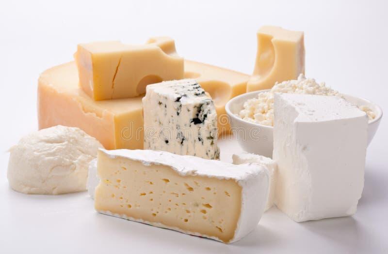 Vários tipos de queijos. foto de stock