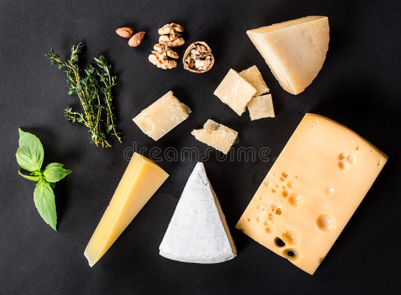 Vários tipos queijo fotos de stock