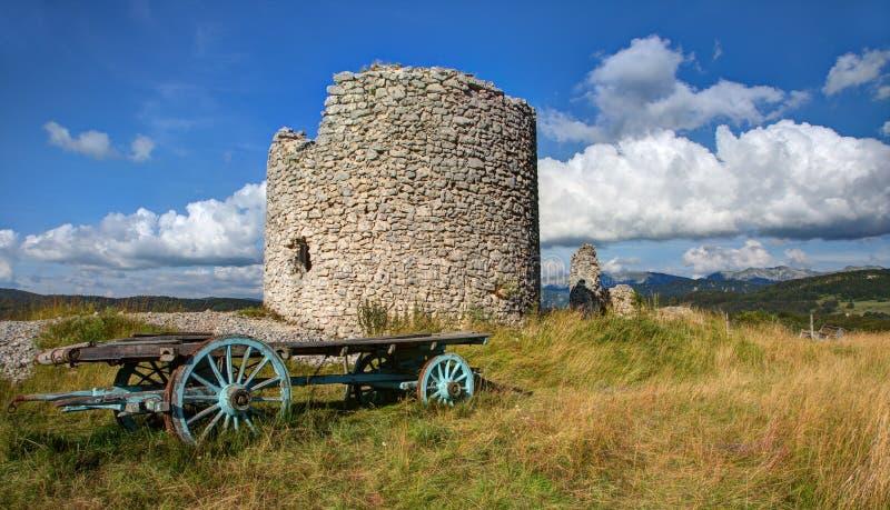 Väderkvarn av Muren - Vassieux i Vercors - Frankrike arkivfoton