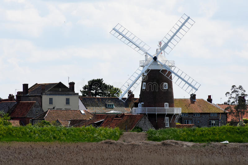 Väderkvarn Cley-Nästa-Till-hav, Norfolk arkivfoto
