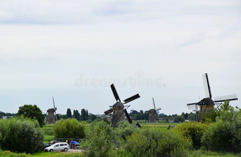 Väderkvarnar av världsarvet Kinderdijk, Nederländerna fotografering för bildbyråer