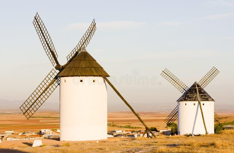 väderkvarnar Campo de Criptana, Castile-La Mancha, Spanien royaltyfria bilder