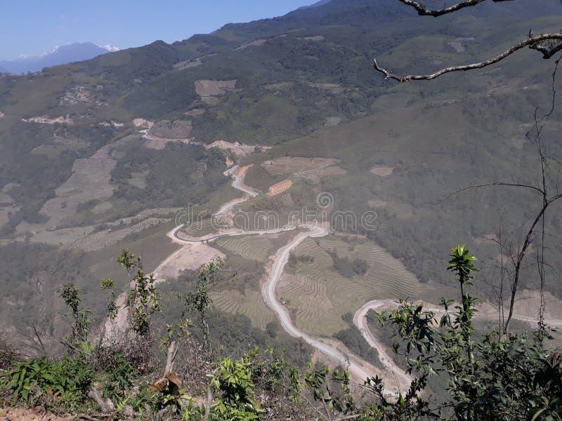 Väg av övresiangdisten för bergigt område royaltyfri fotografi