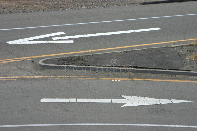 väg för 3 pilar arkivbild