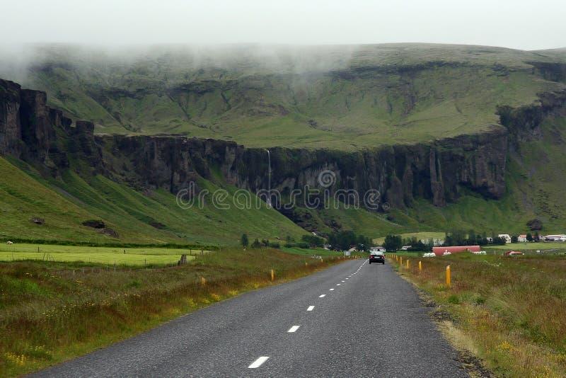 Väg i Island royaltyfria foton