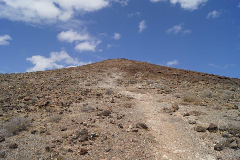 Väg till överkanten av en vulkan fotografering för bildbyråer