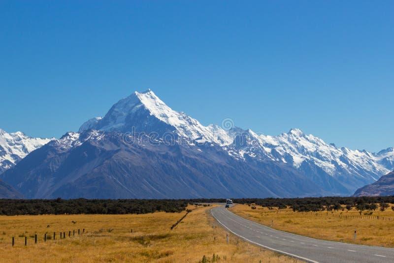 Väg till den Aoraki nationalparken, Nya Zeeland arkivbild