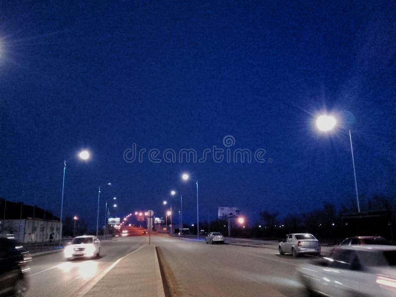 Väg till natten fotografering för bildbyråer