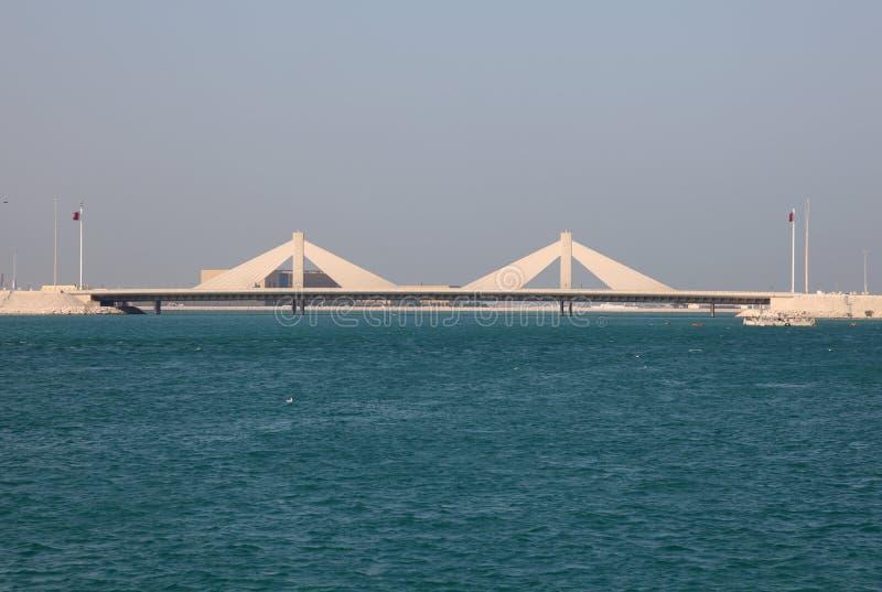 Vägbankbro i Bahrain royaltyfri bild