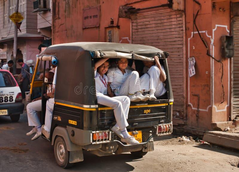 Vägen in i Delhi arkivbild
