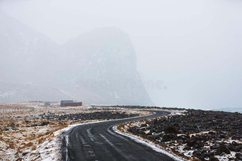 Vägen på kusten av Norge arkivfoto
