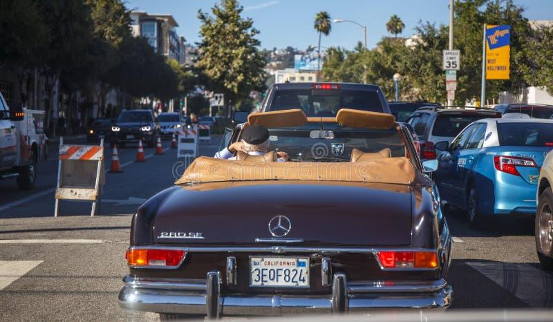 Vägen till Beverly Hills royaltyfri bild