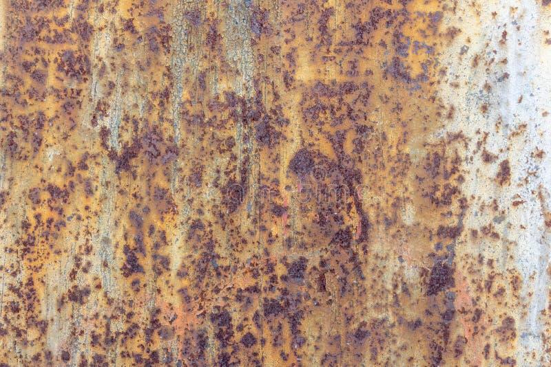 Vägg av betong och tegelsten med murbruktextur royaltyfri bild
