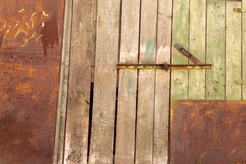 Vägg av betong och tegelsten med murbruktextur royaltyfri fotografi