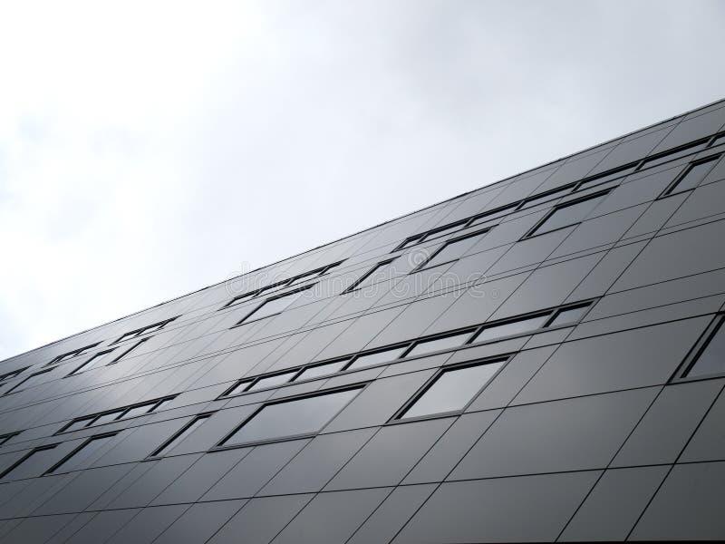 Vägg av fönster på metallbyggnad royaltyfri foto