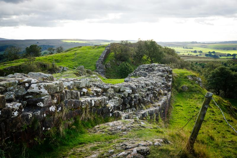 Vägg för Hadrian ` s på Walltown brant klippa royaltyfri bild