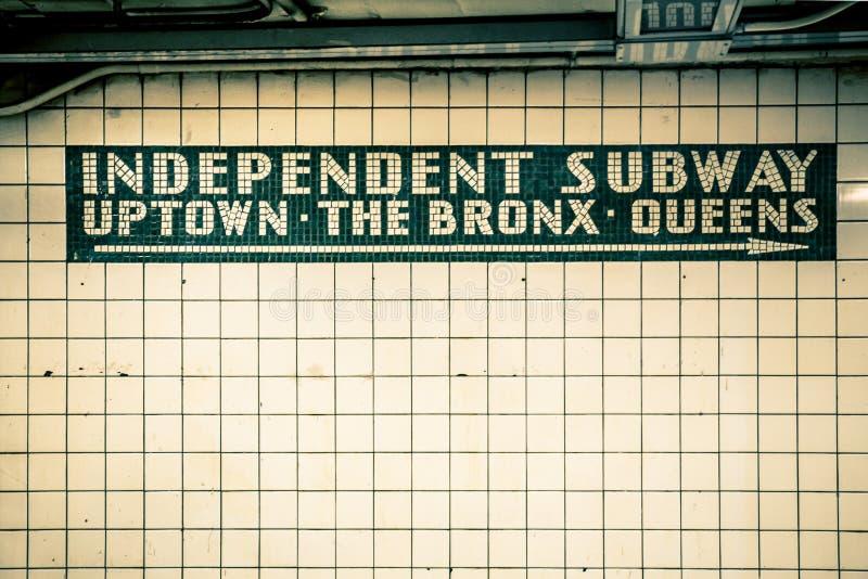 Vägg för NYC-gångtunneltegelplatta royaltyfria bilder