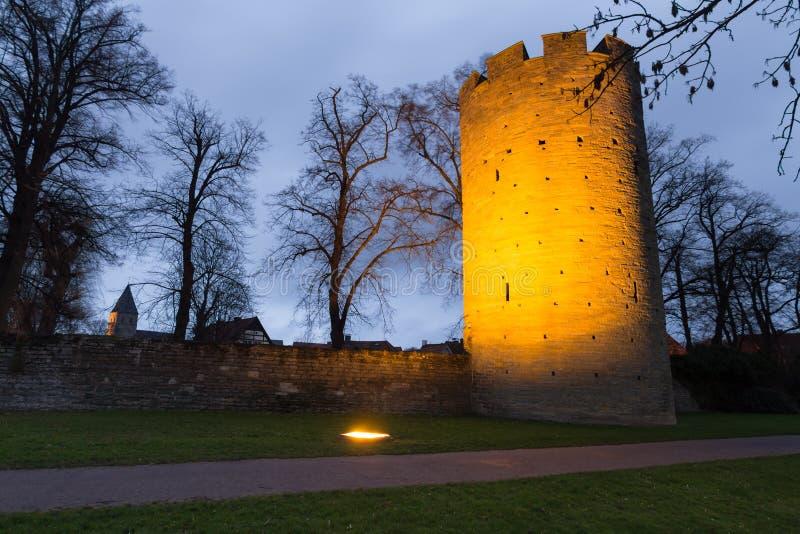 Vägg och torn mest soest Tyskland för historisk stad i aftonen arkivfoto