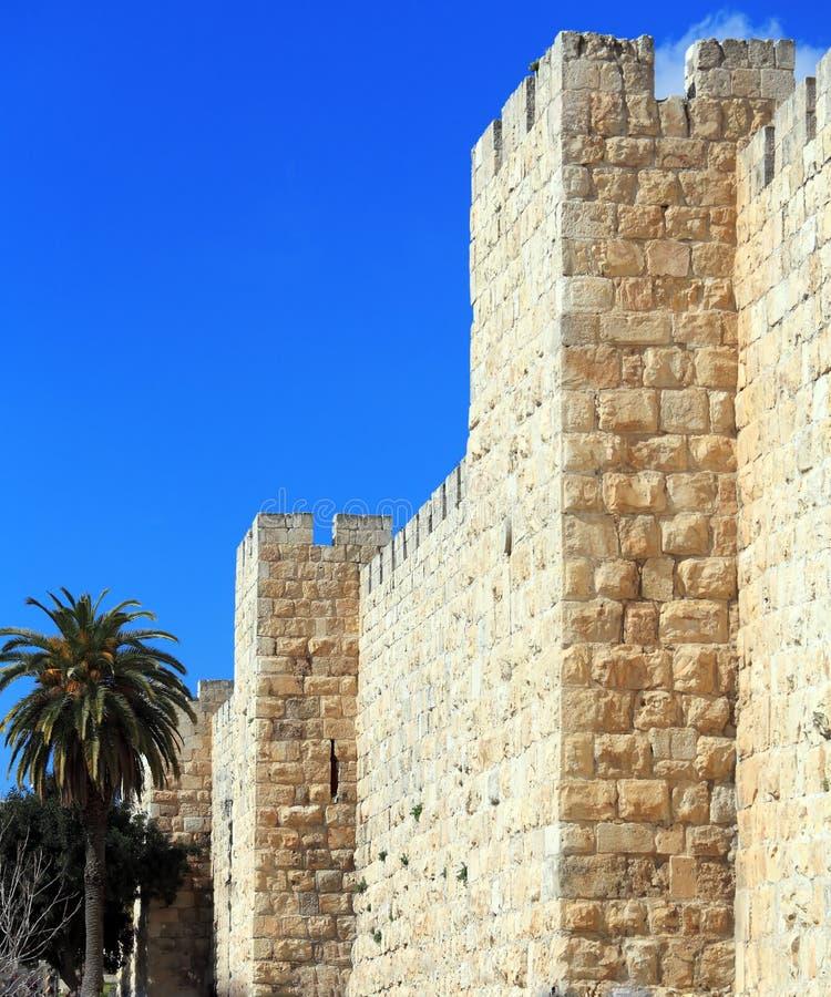 Väggar av den forntida staden, Jerusalem, Israel royaltyfri bild