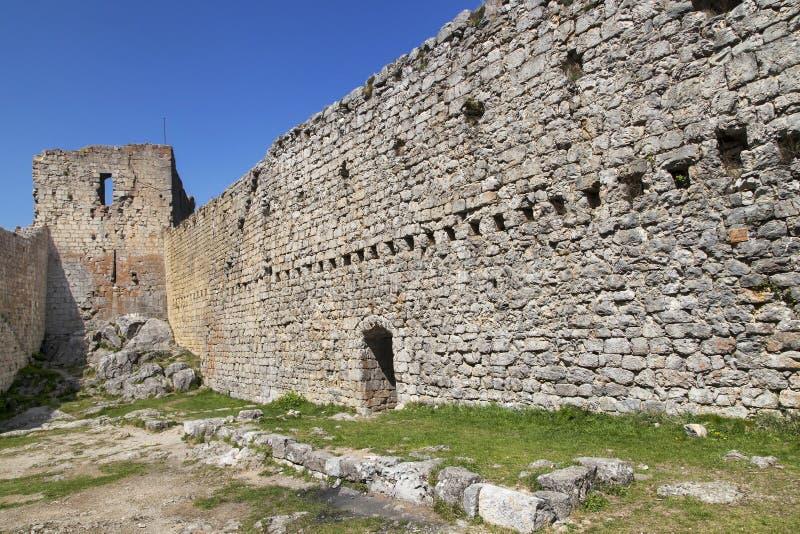 Väggar av den Montsegur slotten fotografering för bildbyråer