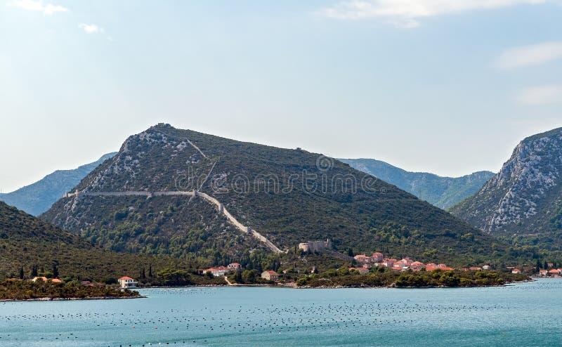 Väggar av Ston - Dalmatia, Kroatien royaltyfria foton