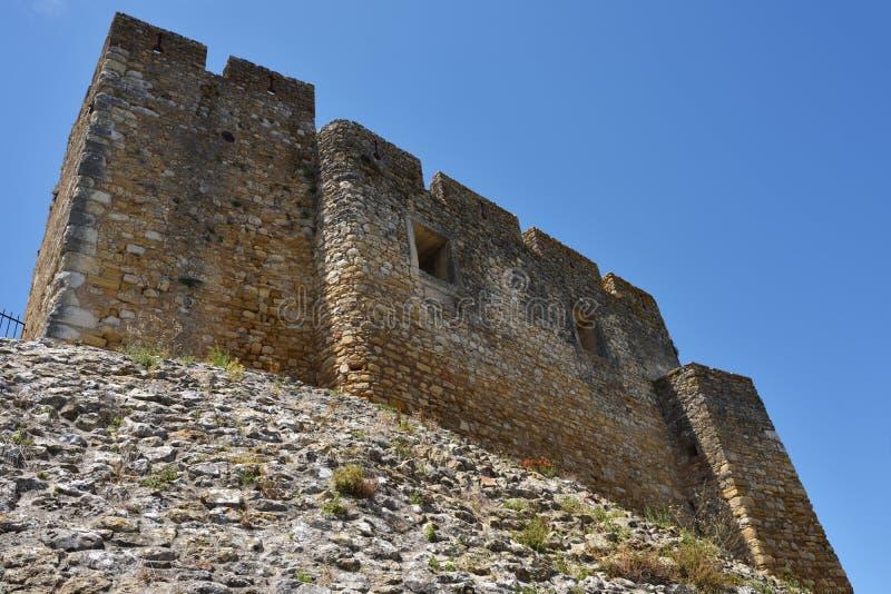 Väggen av slotten på Tomar, Portugal arkivfoton