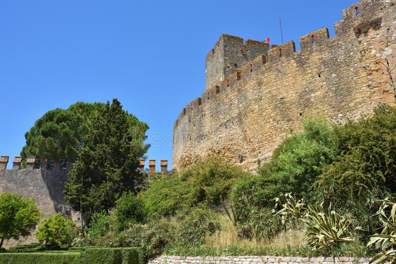 Väggen av slotten på Tomar, Portugal royaltyfria bilder