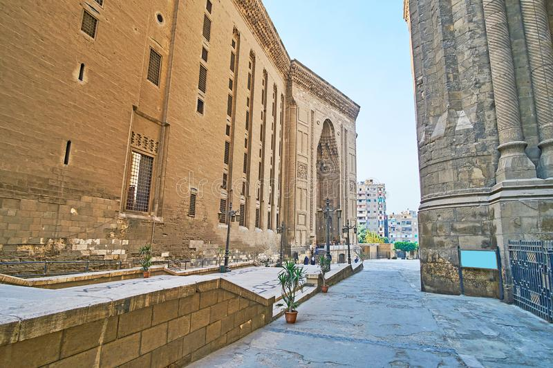 Väggen av Sultan Hassan Mosque, Kairo, Egypten royaltyfri foto