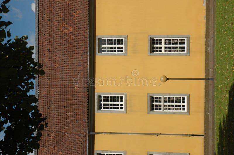 Download Väggfönster arkivfoto. Bild av fönster, färg, lampa, överkant - 245140