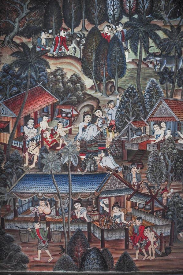Väggmålning av forntida thailändskt folks vardagsliv royaltyfria bilder