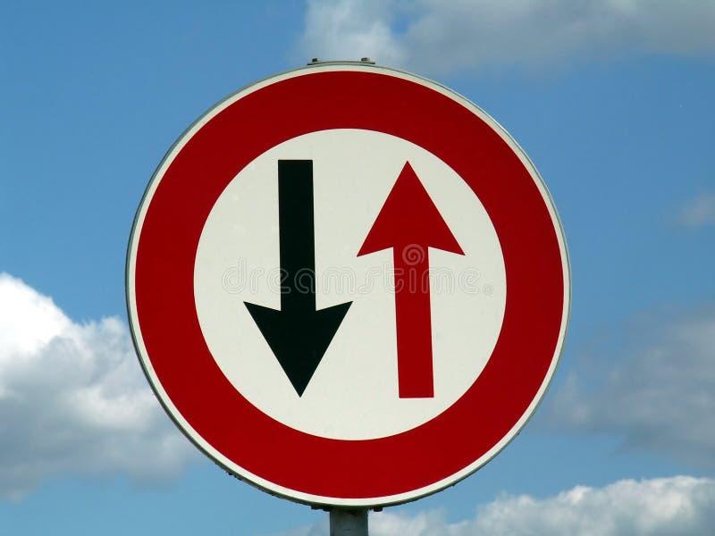 Download Vägmärke arkivfoto. Bild av transport, riktning, varning - 239048