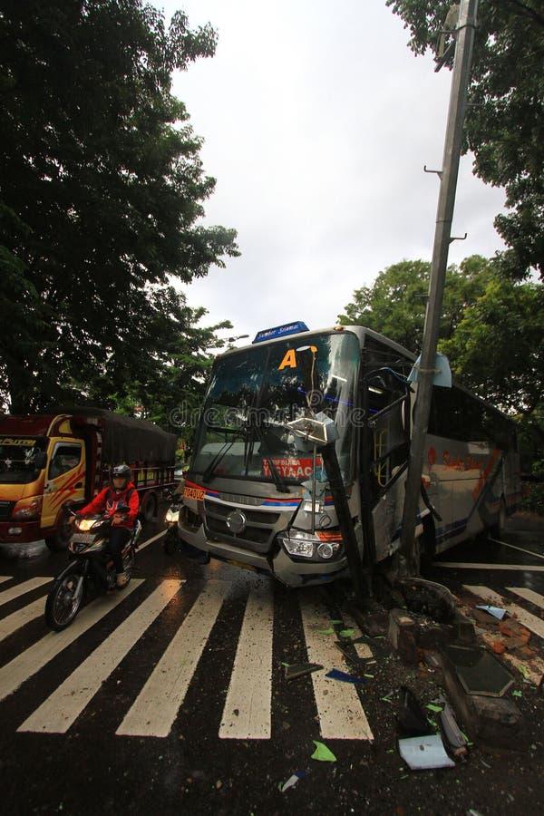 Vägmärke för trafikolyckabussslag fotografering för bildbyråer