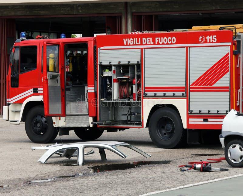 Vägolycka med bilen UTAN FOLK royaltyfri fotografi