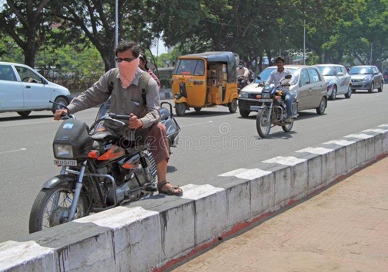 Vägrörelse i Chennai, den södra Indien arkivbilder