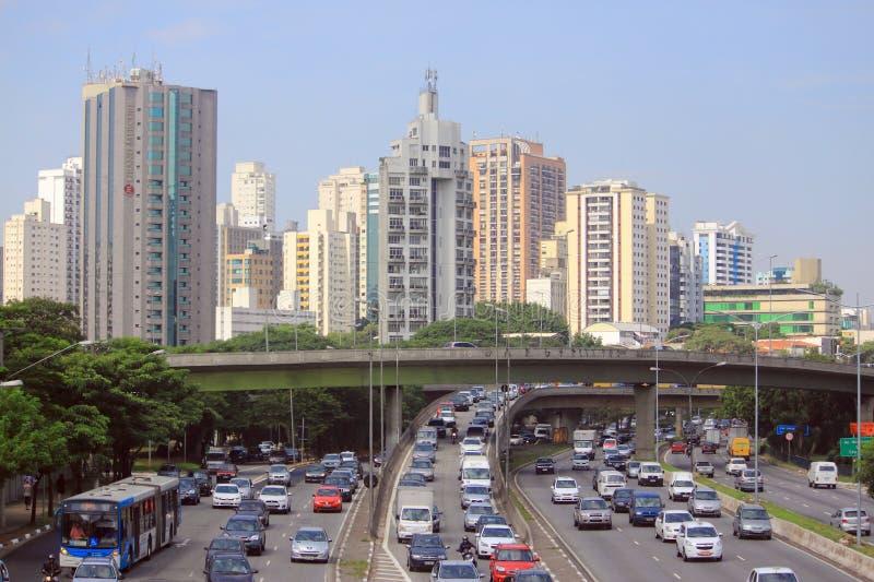 Vägrörelse i Sao Paolo, Brasilien fotografering för bildbyråer