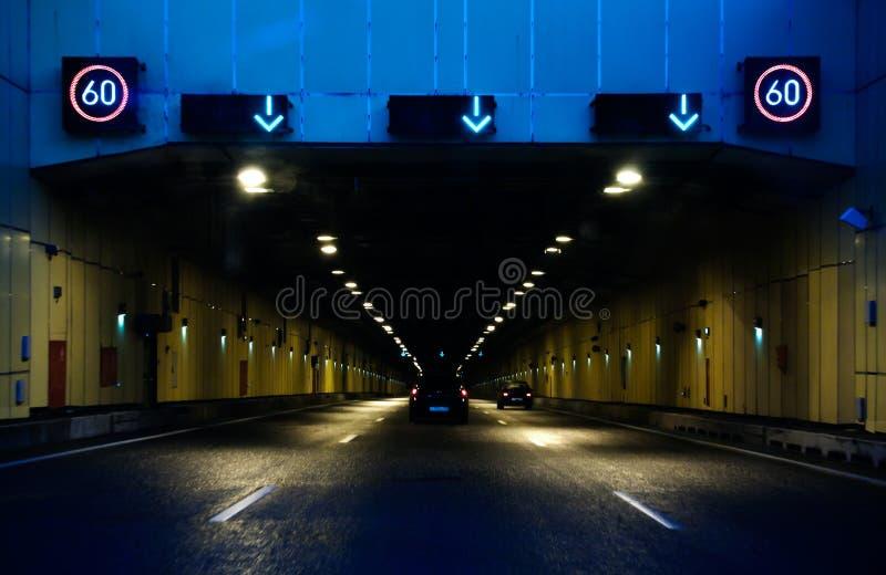 Download Vägtunnel arkivfoto. Bild av huvudväg, drev, väg, lampa - 37346988