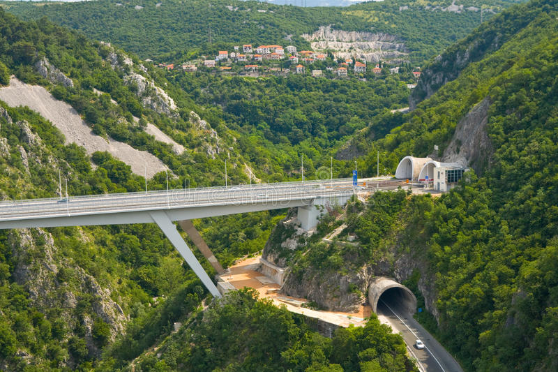 Vägtunnel, Rijeka, Kroatien arkivfoto