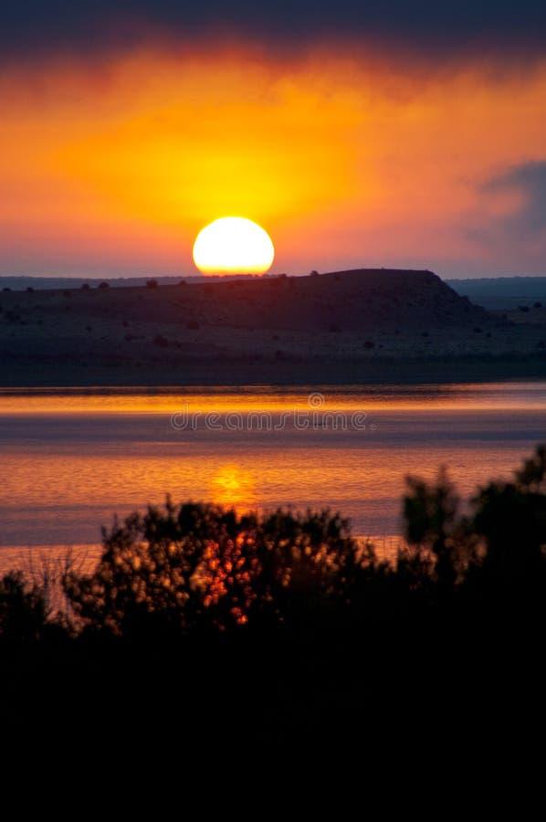 Vägtur: Santa Rosa Lake royaltyfri bild