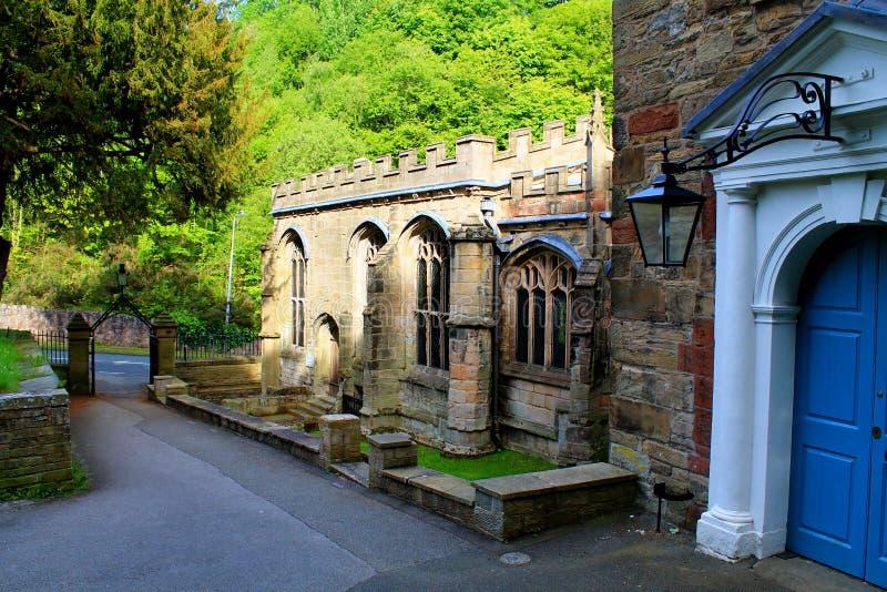 Väl kapellbyggnad för St Winefrides, N wales arkivfoton