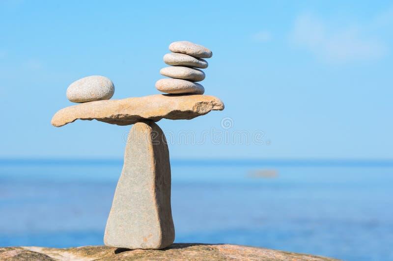 Välbalanserat av stenar royaltyfri bild