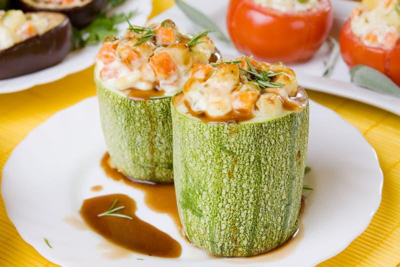 välfylld zucchini royaltyfri fotografi