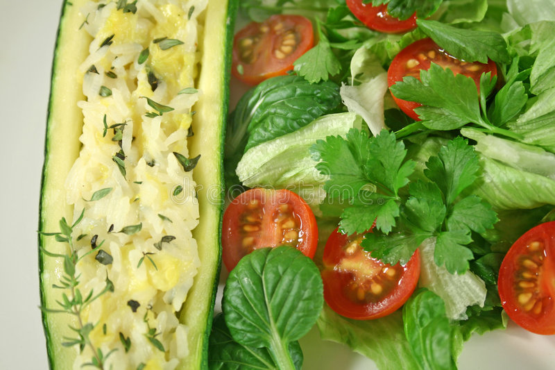 välfylld zucchini arkivfoto