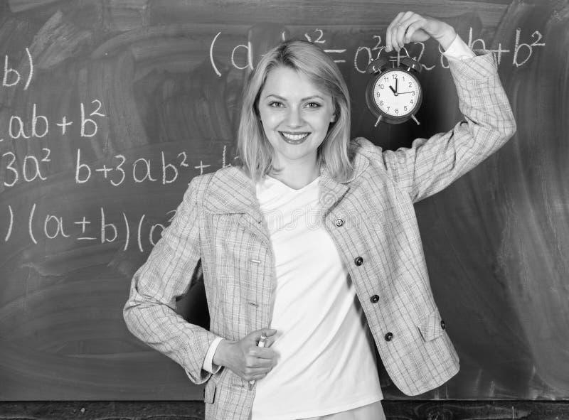 Välkommet lärareskolår Se utbildare för arbetskraft för hängivet lärarekomplement kvalificerade Skoladisciplin arkivbild